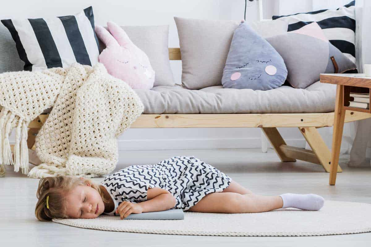 How To Sleep On The Floor Properly Three Easy Way Mattresses Guide